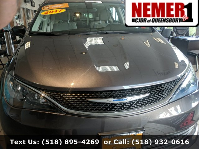 Pre-Owned 2017 Chrysler Pacifica LX