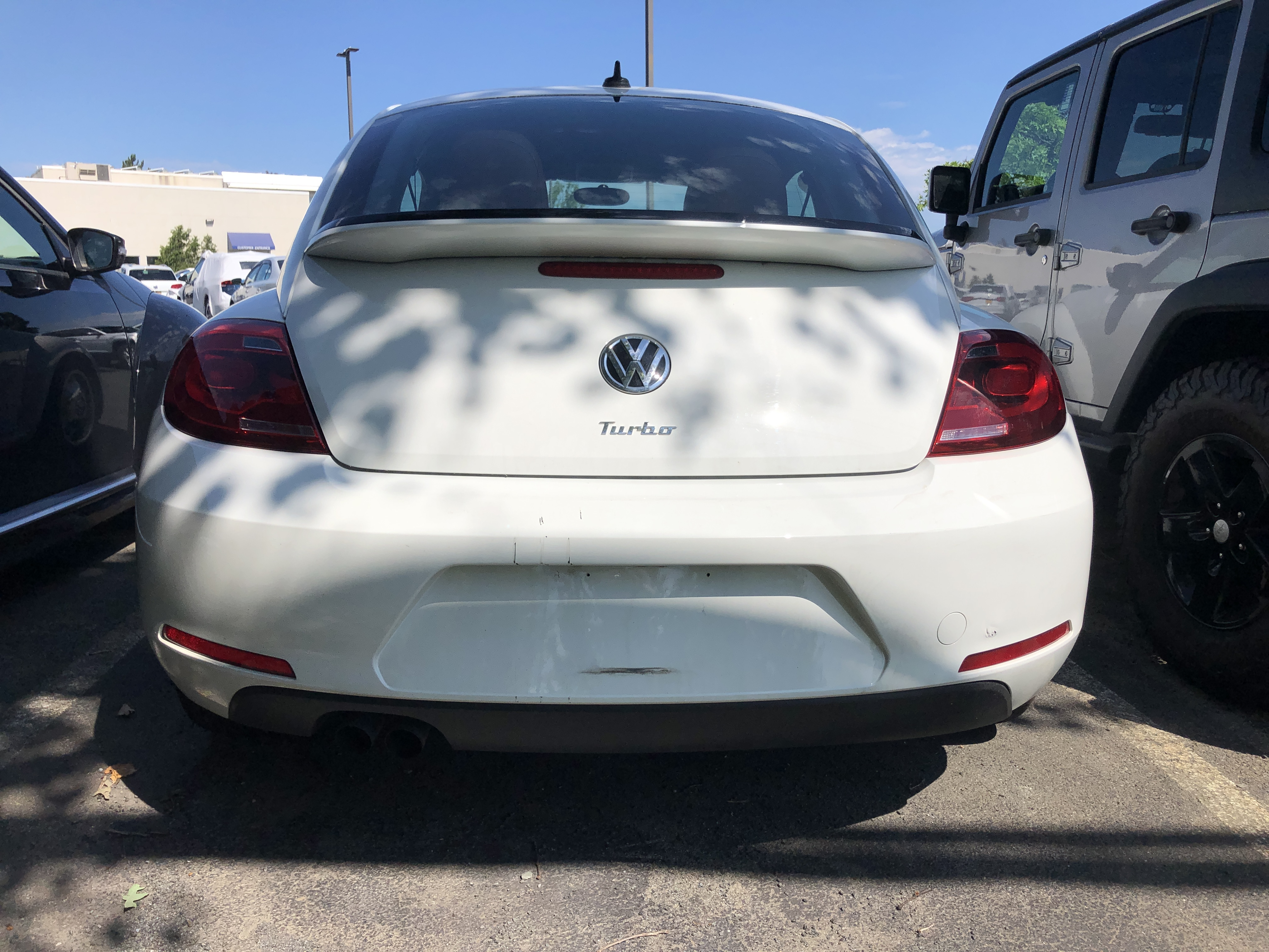 Pre-Owned 2016 Volkswagen Beetle 1.8T Classic